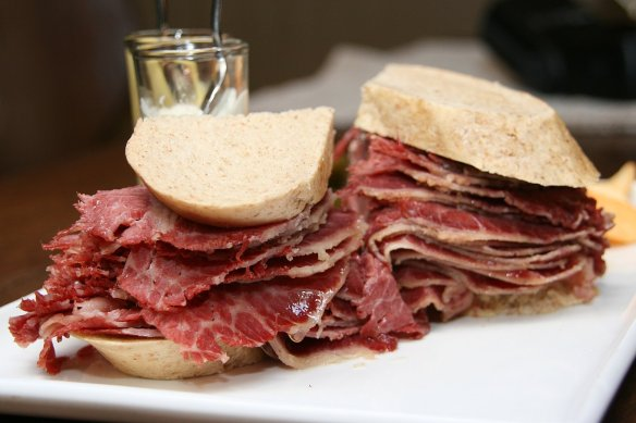 corned beef deli sandwich2